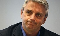 "EA : ""Aucune intention de virer John Riccitiello"""