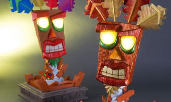 Crash Bandicoot : trois splendides statuettes de Aku Aku signées First 4 Figures