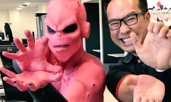 On a demandé à Majin Buu de faire l'unboxing du press kit de Dragon Ball Xenoverse 2